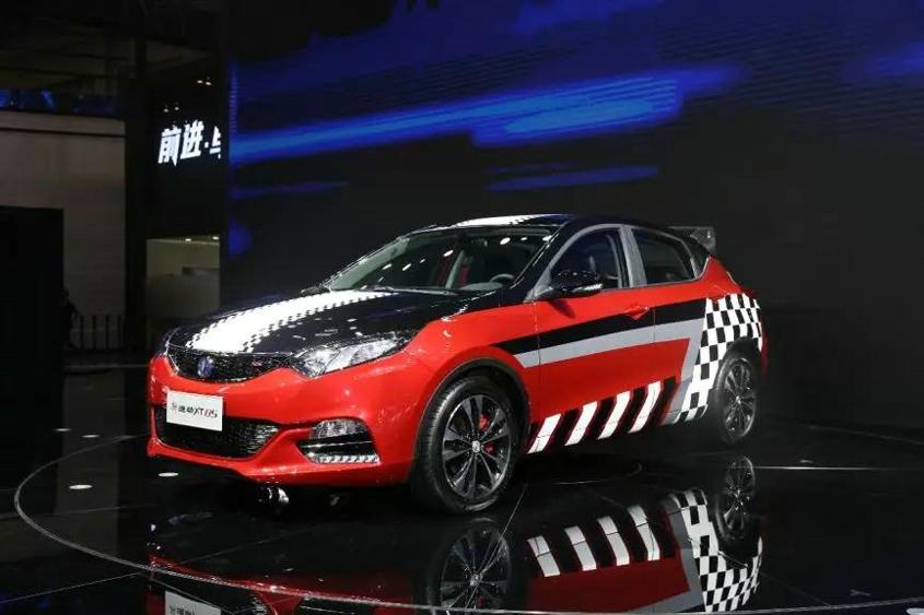 凤凰汽车 成都车展必看最动感两厢长安逸动XT RS上市高清图片